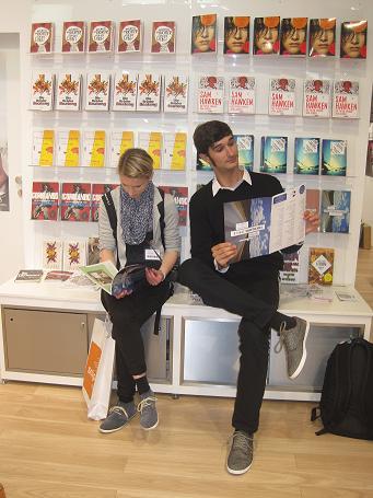 Franziska Vorhagen und Emil Fadel warten auf Klett-Cotta